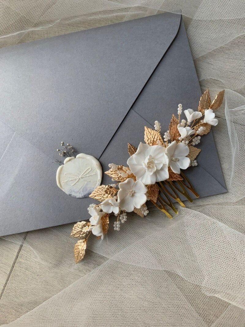 Свадебный гребень с цветами и золотыми листиками, артикул 34092002, фото №4