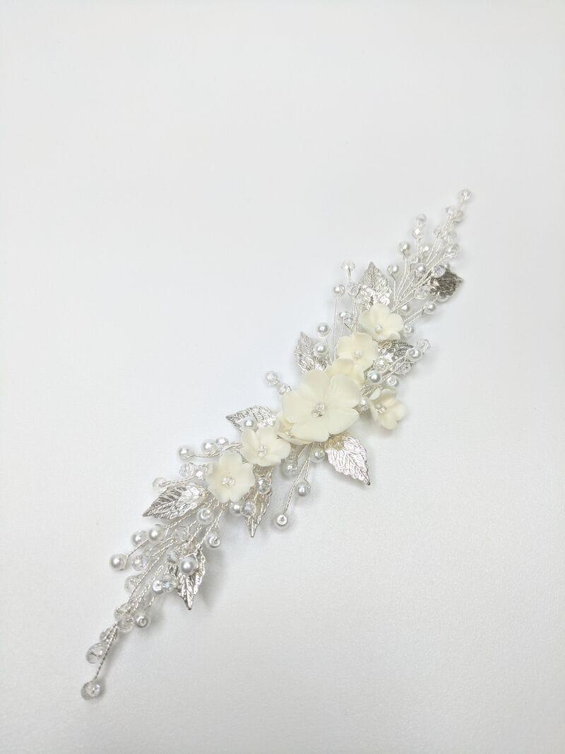 Свадебный гребень с цветами и листиками в серебре, артикул 34098003, фото №1