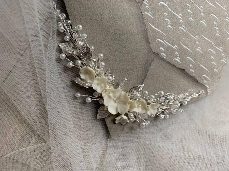Свадебный гребень с цветами и листиками в серебре, артикул 34098003, фото №4