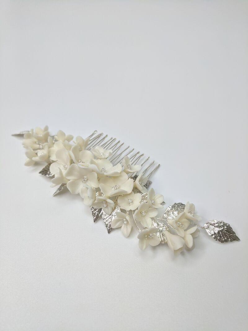 Свадебный гребень с молочными цветами и серебряными лепестками, артикул 34130003, фото 1