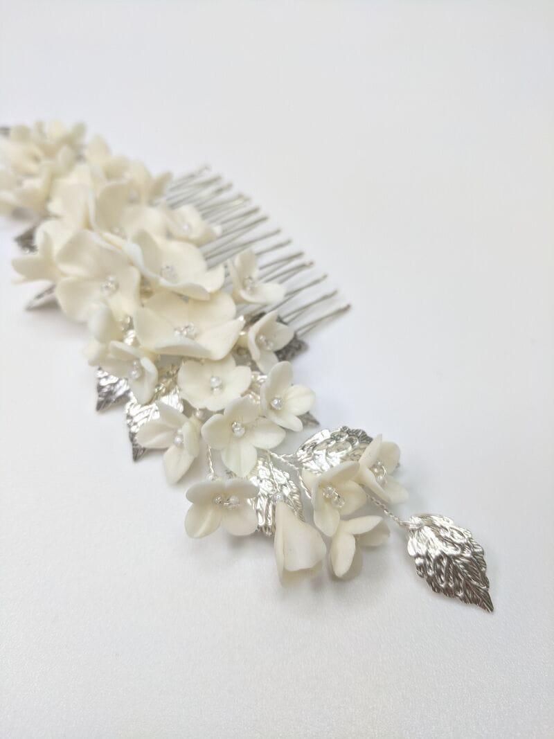 Свадебный гребень с молочными цветами и серебряными лепестками, артикул 34130003, фото 2