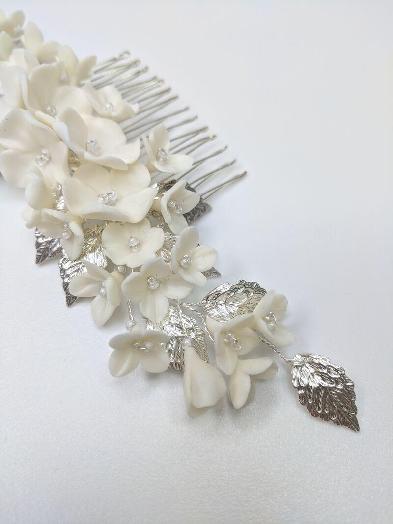 Свадебный гребень с молочными цветами и серебряными лепестками, артикул 34130003, фото 3