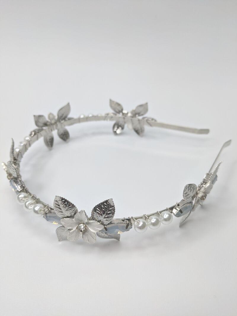 Свадебный ободок на голову опаловые стразы, артикул 5656030, фото №1
