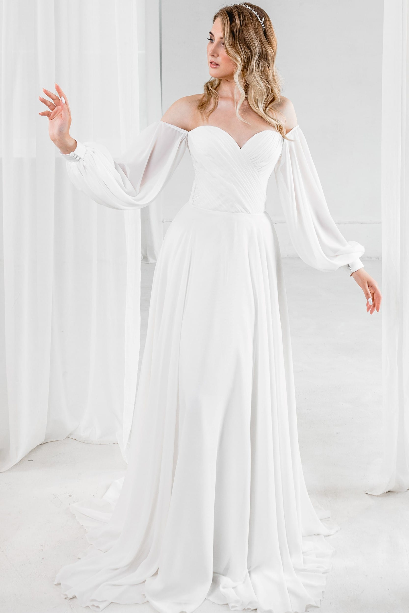 Молочное Свадебное Платье А Силуэт С Длинными Рукавами Классического Стиля