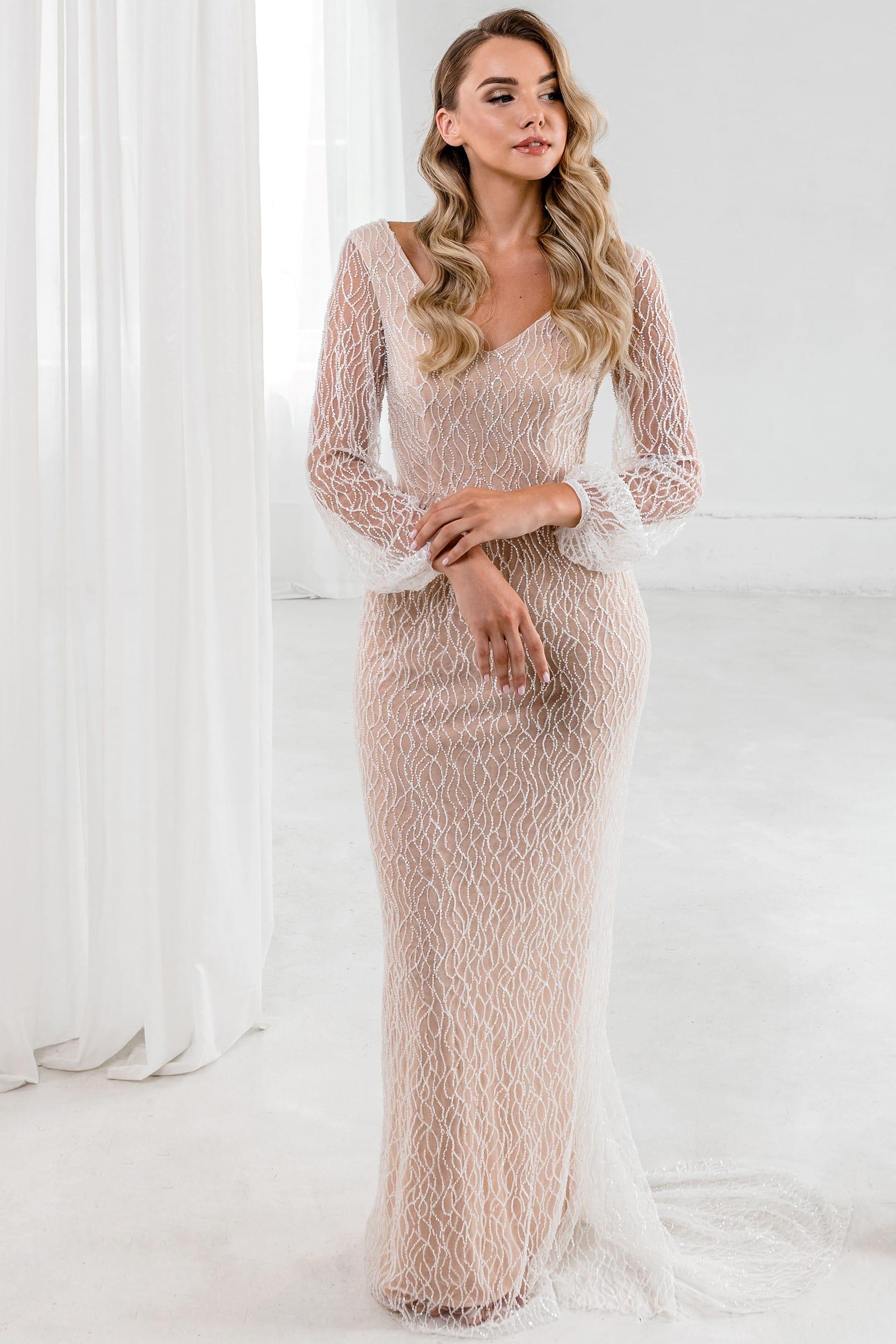 Свадебное платье рыбка с открытой спиной и открытым декольте в винтажном стиле