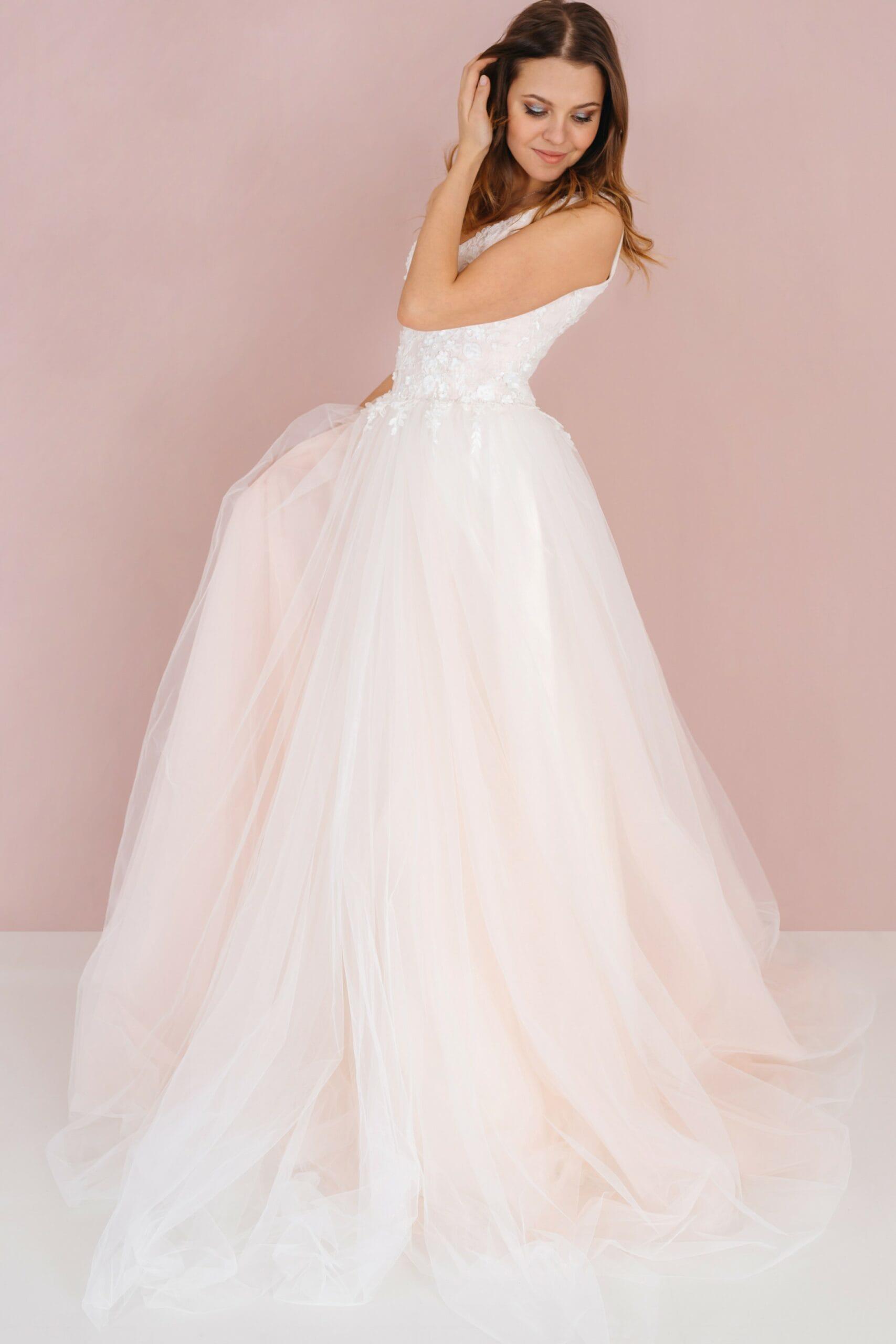 Свадебное платье LASSIE, коллекция LOFT, бренд RARE BRIDAL, фото 2