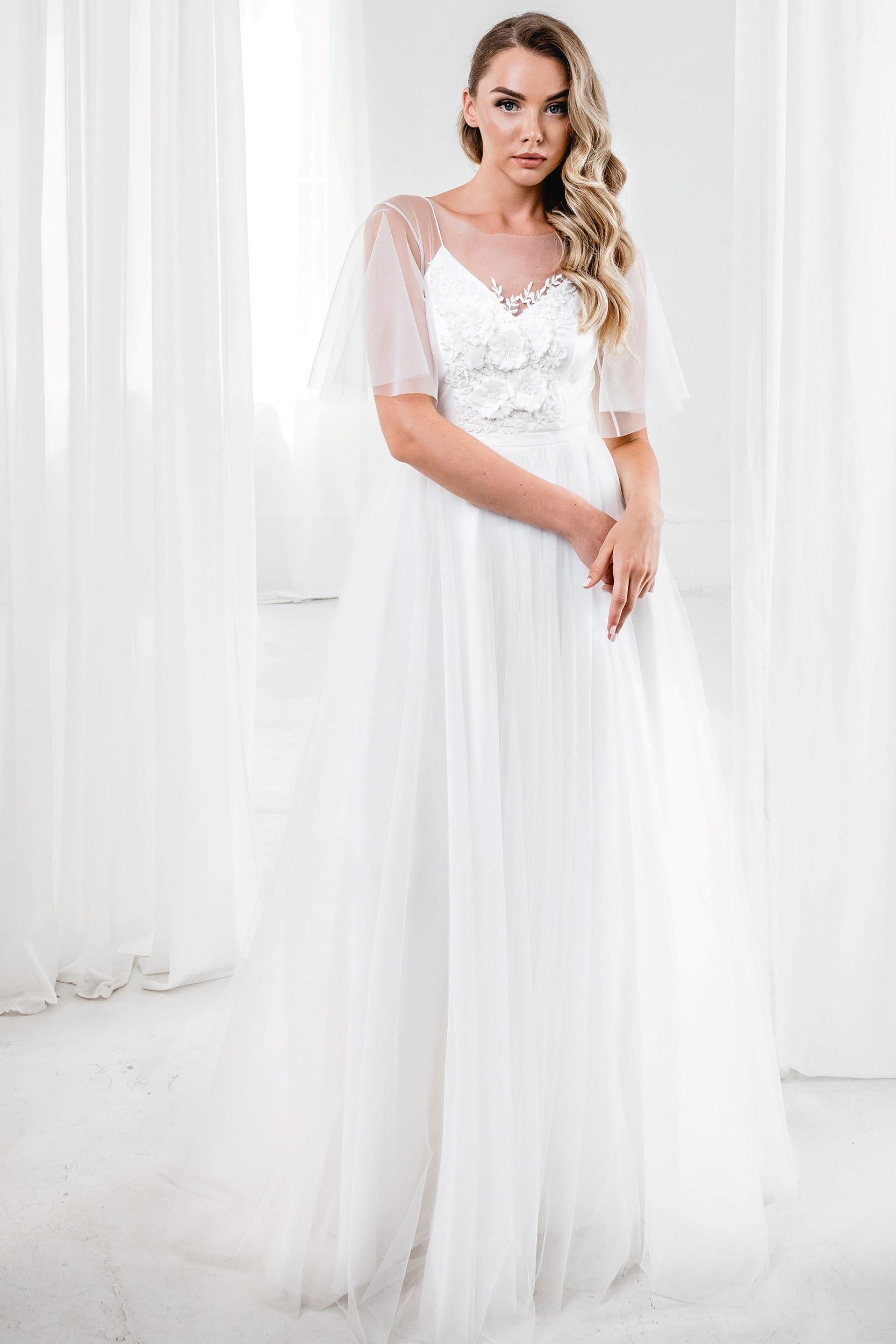 Свадебное платье с цветами и полупрозрачными рукавами в стиле рустик, а-силуэт, молочный цвет