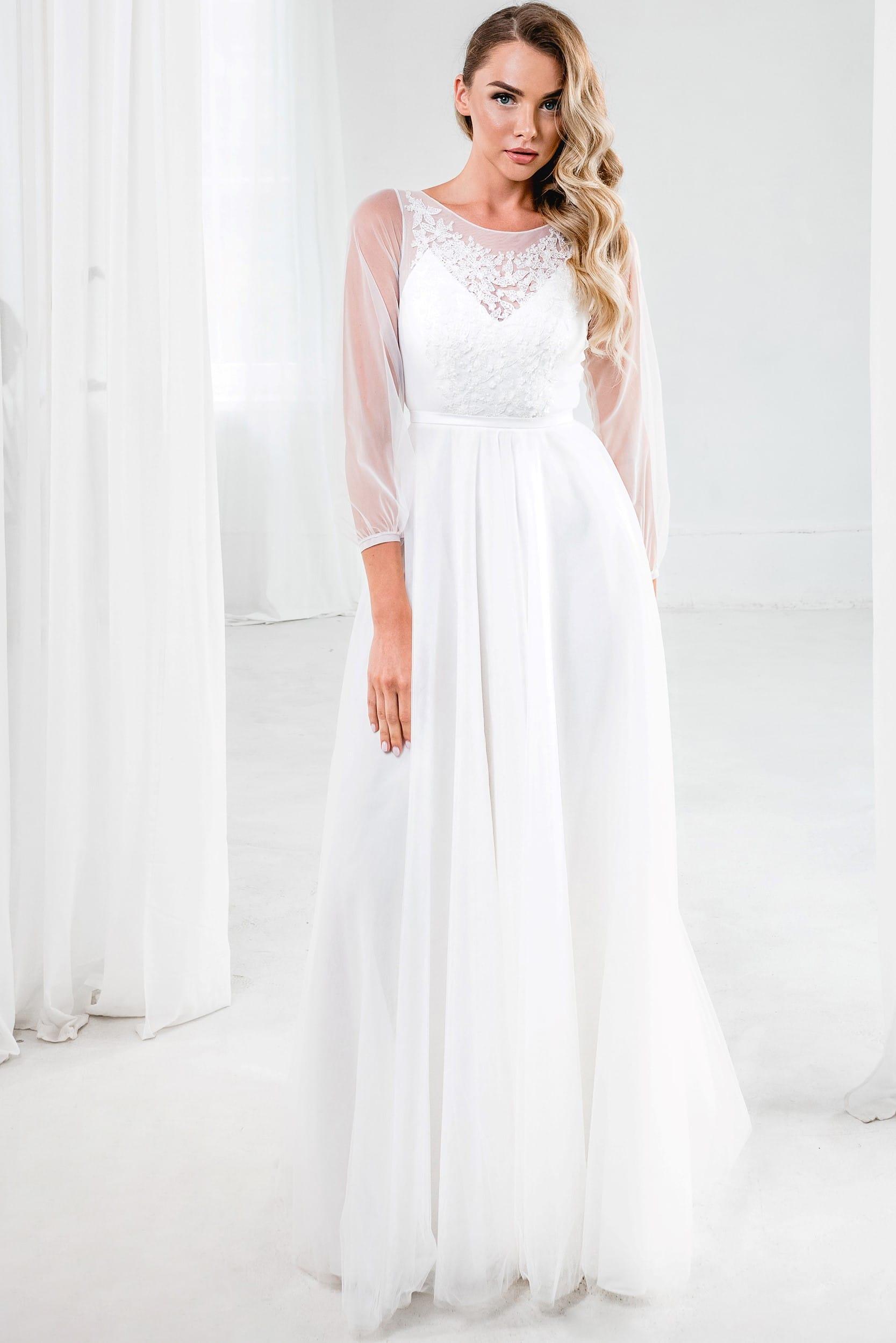 А-Силуэт свадебное платье с длинными полупрозрачными рукавами. Стиль рустик , цвет молочный